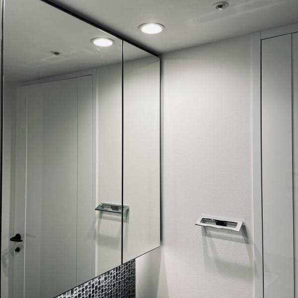 洗面台 光沢 抗菌 コーティング チタン ガラスコーティング 反射 曇り止め 劣化防止 錆防止 水周り 掃除の簡易化 キレイ